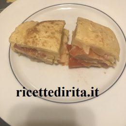 Pancake formaggio e pomodoro